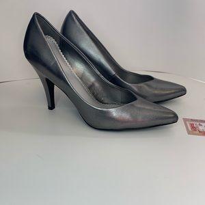 Fioni Chrome heels